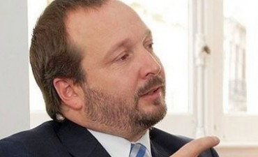 """Sabbatella: """"Clarín creyó que podía estar por encima de la democracia"""""""