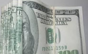 El dólar blue se mantiene cerca de los $ 11 y preocupa al Central