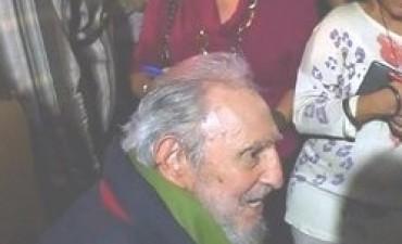 Después de mucho tiempo Fidel Castro reapareció en público