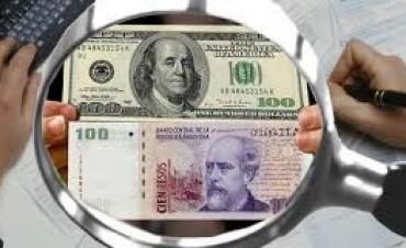 A pesar de los bonos. El Gobierno no pudo frenar al alza del dólar blue, que escaló hasta $11,90