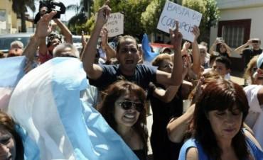 Fuertes críticas al Gobierno en el último adiós al fiscal Nisman