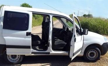 Gendarmes encontraron dos celulares en la camioneta abandonada de los prófugos