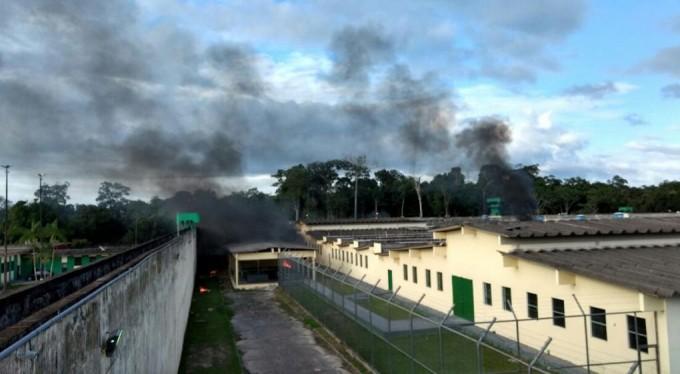 Al menos 60 muertos en un violento motín en una cárcel de Brasil