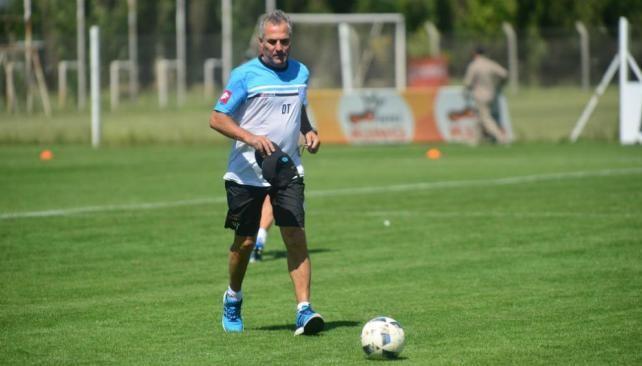 Belgrano vuelve a entrenarse sin caras nuevas y más bajas