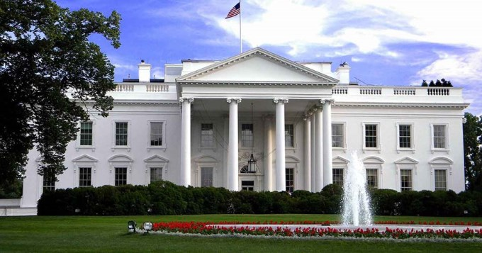 Renunció toda la cúpula del Departamento de Estado yanqui