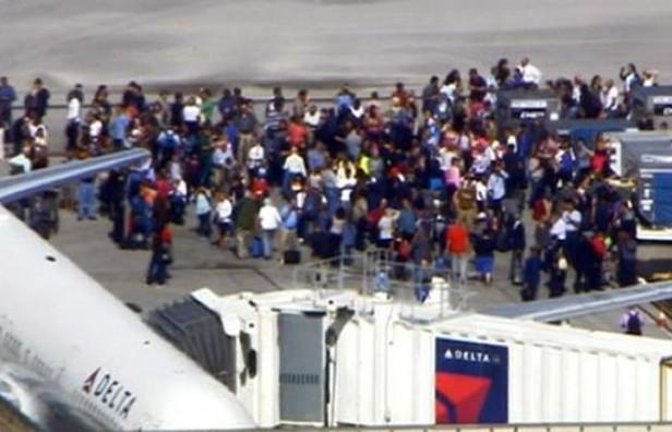 Tiroteo en el aeropuerto de Florida deja unos 5 muertos