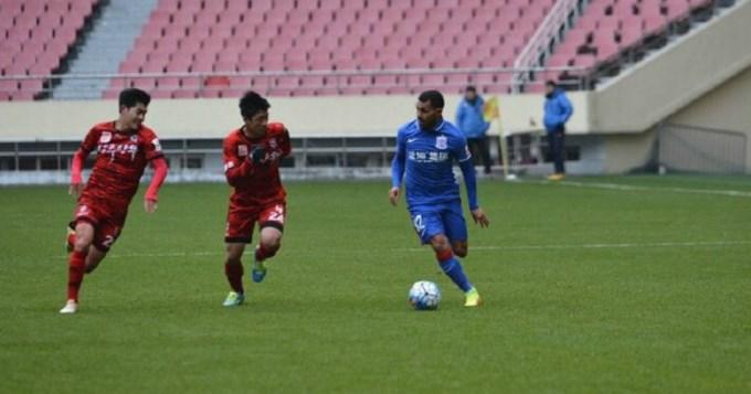 Tevez debutó en el Shanghai Shenhua con una victoria