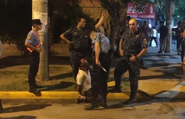 Un hombre atacó con un cuchillo a un policía en el festival de Jesús María