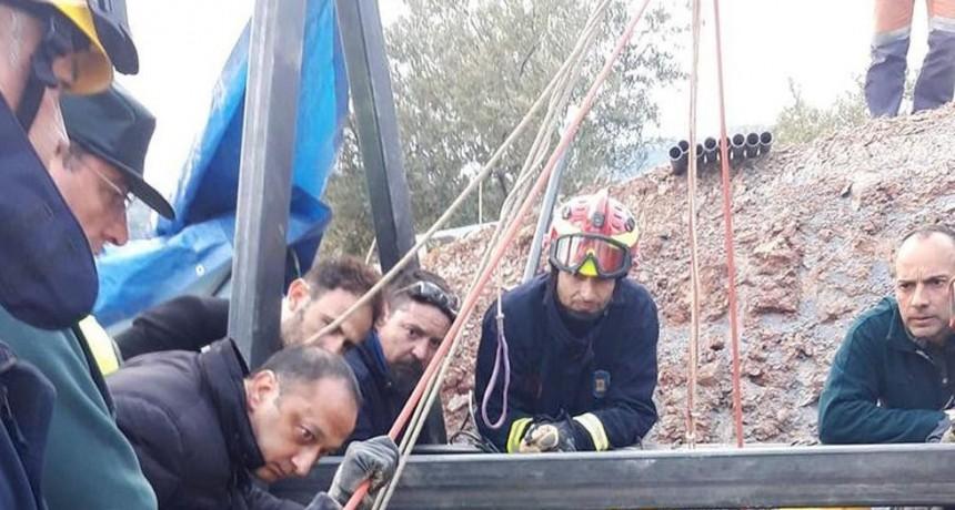 Malaga. Tensa labor de rescate del niño de 2 años