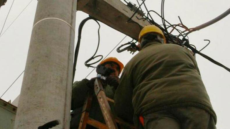 Un joven operario de Epec murió electrocutado