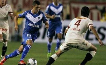 Vélez consiguió un triunfo de oro en Perú