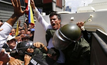 Se entregó Leopoldo López, líder de la oposición en Venezuela