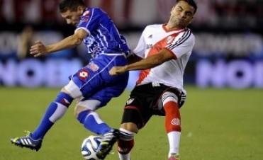 Godoy Cruz sorprendió y le ganó a River en el final del partido