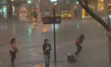 Sigue la alerta y hay complicaciones en las calles de Córdoba