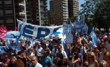 Docentes de UEPC pararían en solidaridad con CTERA