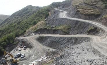 Opositores piden investigar la obra de las Altas Cumbres