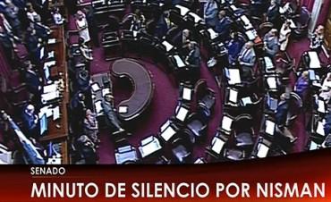 Con un minuto de silencio por Nisman, comenzó sesión para la Agencia Federal de Inteligencia