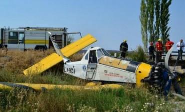 Cayó una avioneta que combatía un incendio en el sur