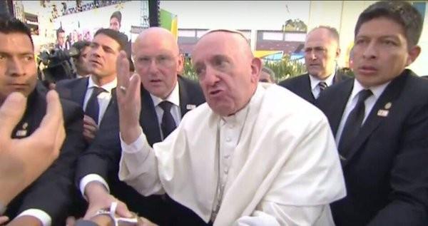 El Papa se enojó con un fiel en México: