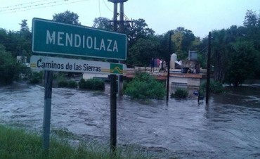 Denuncian a ingeniero por estafar a inundados