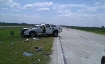 Un muerto tras un vuelco en la autopista Córdoba-Rosario