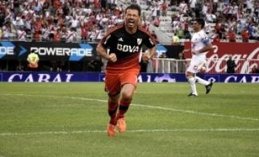 River goleó a Quilmes y ratificó su chapa de candidato