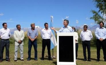 Junto a gobernadores del PJ, Macri anunció el fin de las retenciones mineras