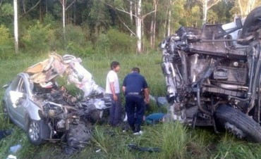 Se mató una familia completa en un choque frontal en Salta