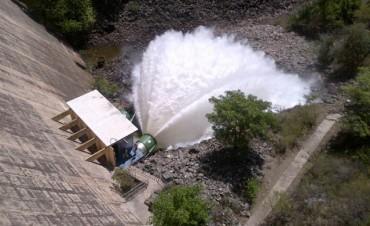 Abren las válvulas del San Roque y advierten sobre el caudal que traerá el Suquía