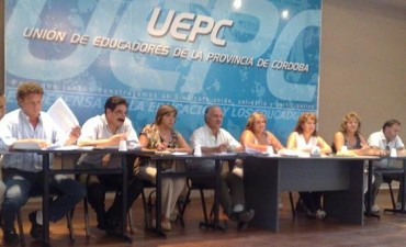 La UEPC amenaza con no iniciar las clases