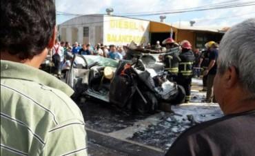 Un muerto al ser aplastado por un camión descontrolado