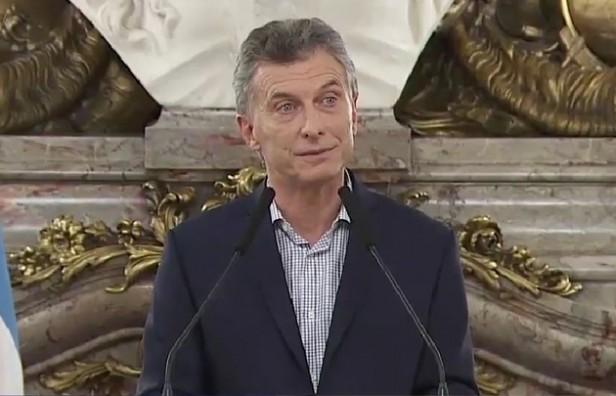 Macri defendió el acuerdo, pero dijo que se volverá a