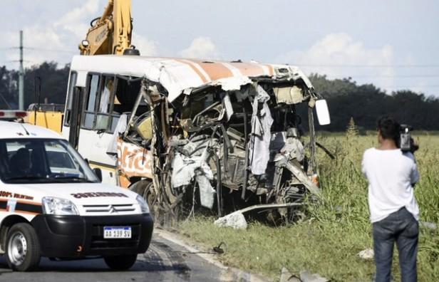 Ya son 12 los muertos y 35 los heridos por el trágico choque
