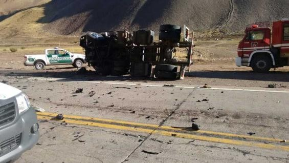 Cuatro personas murieron a raíz de un choque frontal en Mendoza