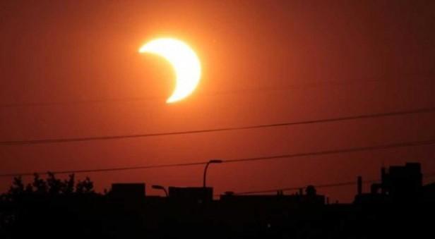 Hoy podria verse un eclipse solar