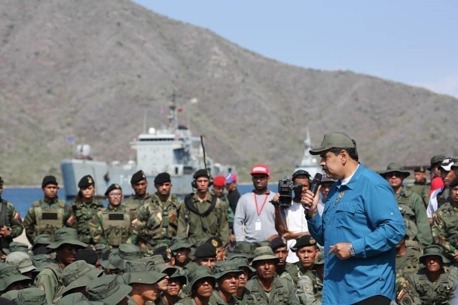 Trump no descarta una intervención militar y el chavismo se resiste a dejar el poder