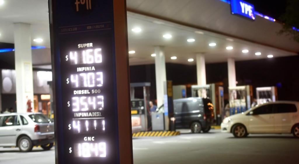 YPF se suma al aumento de combustibles