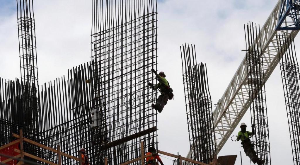 La construcción se desplomó en diciembre, pero cerró el año con un leve crecimiento