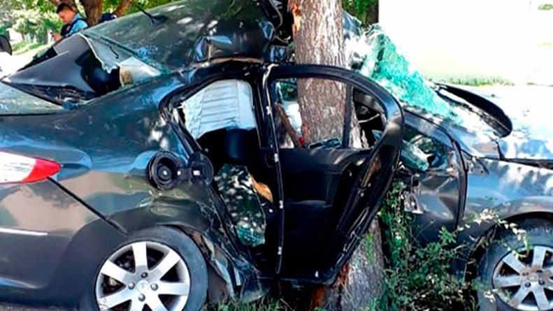El peligro al volante no cesa: un matrimonio murió al chocar contra un árbol en Alta Gracia