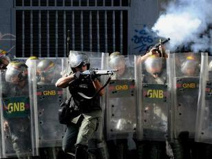 Venezuela: refuerzan operativos y acusan a Kerry de incitador