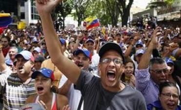 Para mantener la protesta, Capriles pidió