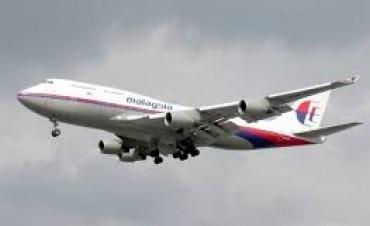 Un iraní compró los pasajes de los dos viajeros con pasaportes robados del avión de Malaysia Airlines