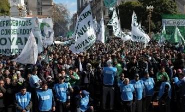 El Gobierno responsabilizó a Massa por el paro nacional de Moyano, Barrionuevo y Micheli
