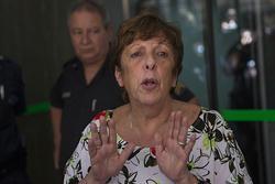 Ahora dicen que Nisman fue corrido de un brazo después del disparo mortal