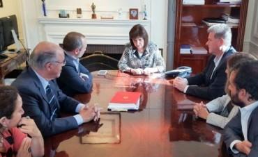 Bullrich recibió a Sabbatella y Macri repudió el ataque