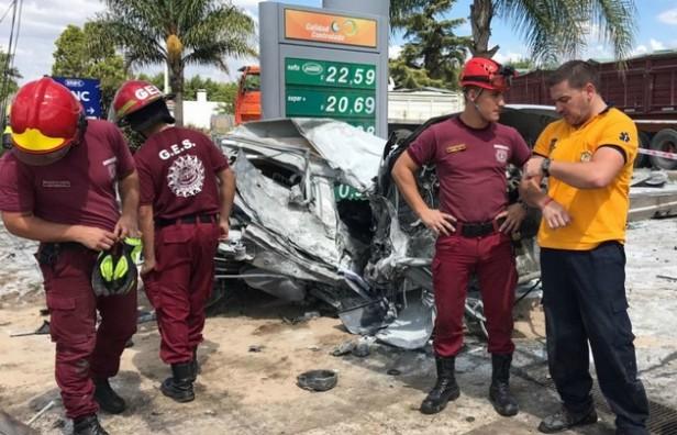 Fuerte choque seguido de un incendio deja un muerto en Córdoba