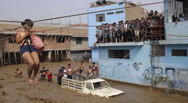 Más de la mitad de Perú con aludes e inundaciones: ya son 72 los muertos