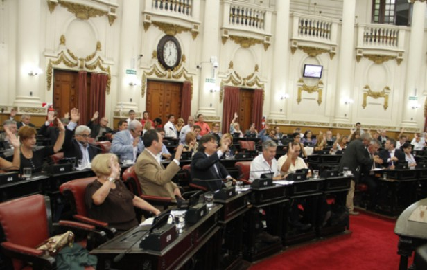 Falleció el legislador cordobés Walter Solusolia