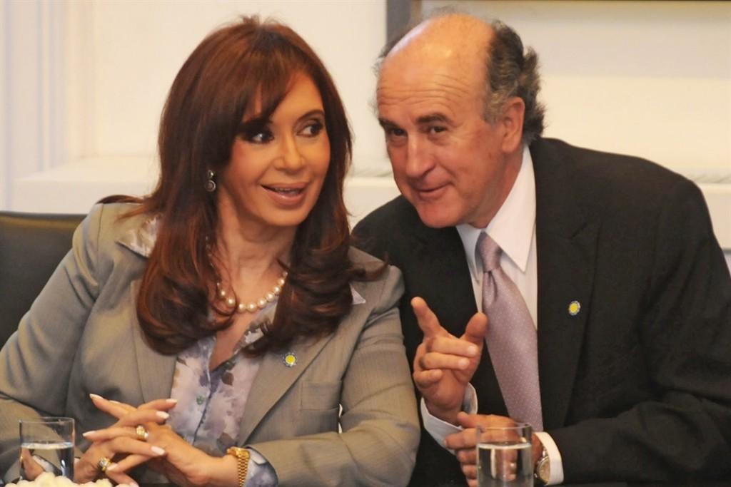 En una nueva escucha, Cristina Kirchner llama