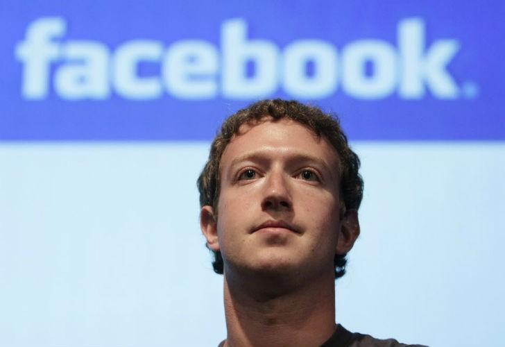 Se derrumban las acciones de Facebook por masiva filtración de datos